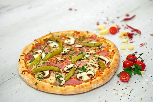 Pizza Prosciutto e Peperoni